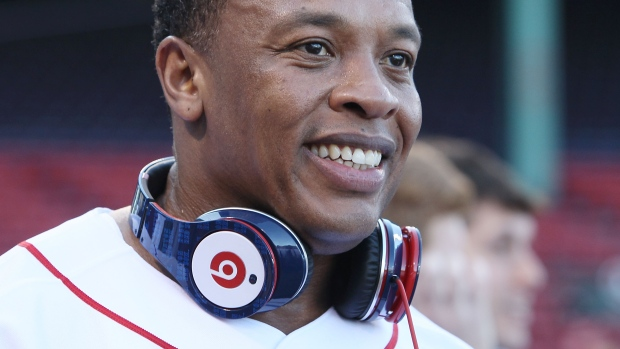 dr-dre-beats-electronics-being-sold-to-apple